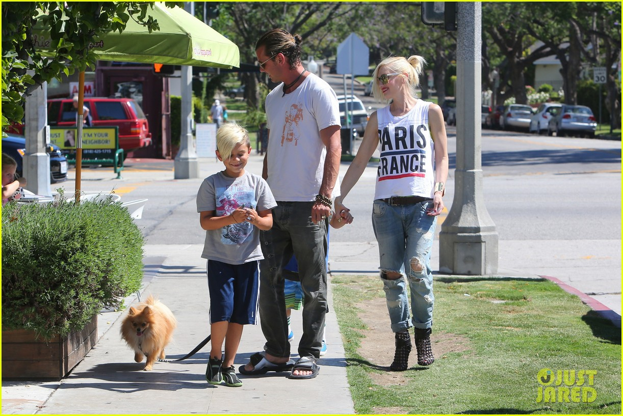 gwen stefani gavin rossdale ice cream with the kids 322899439
