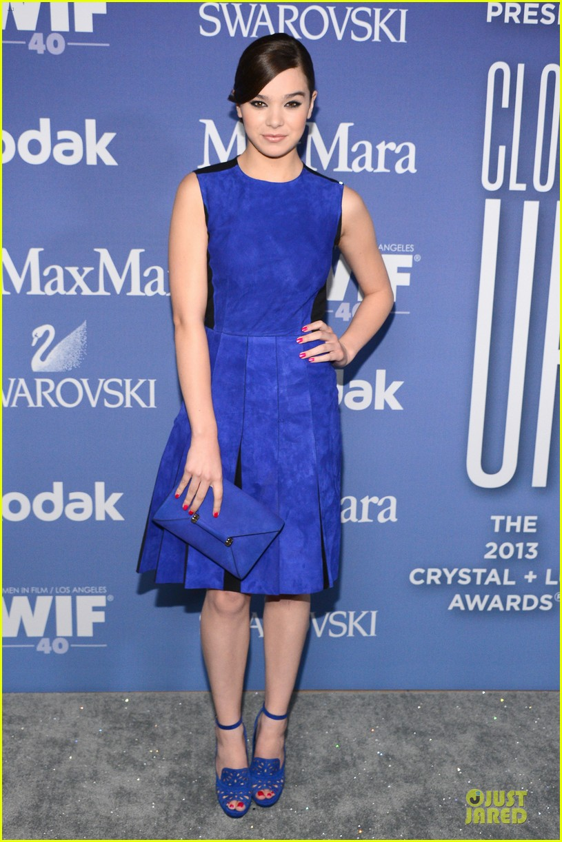 hailee steinfeld rose mcgowan crystal lucy awards 2013 red carpet 092890083