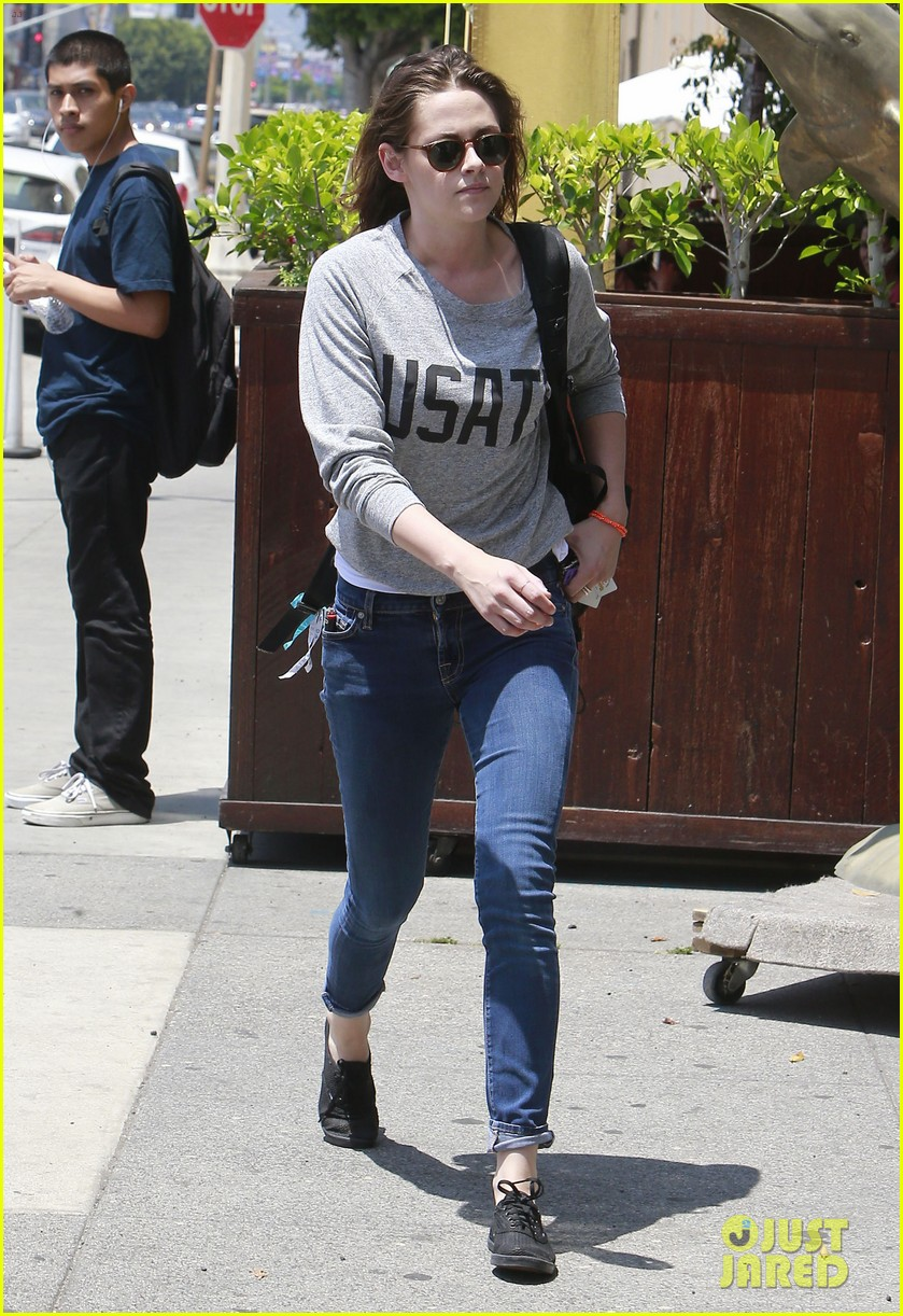 kristen stewart office building stop on thursday 232890752
