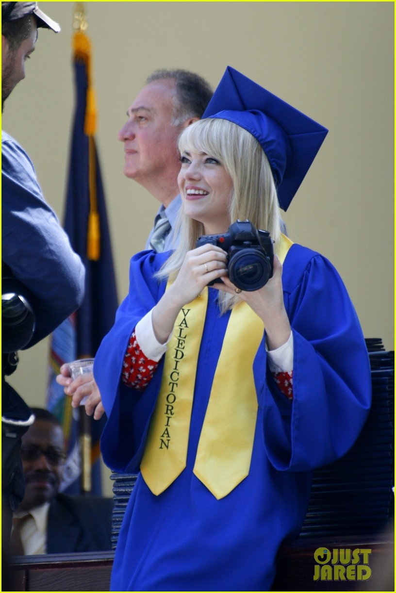 emma stone andrew garfield kiss at spider man graduation 062882253