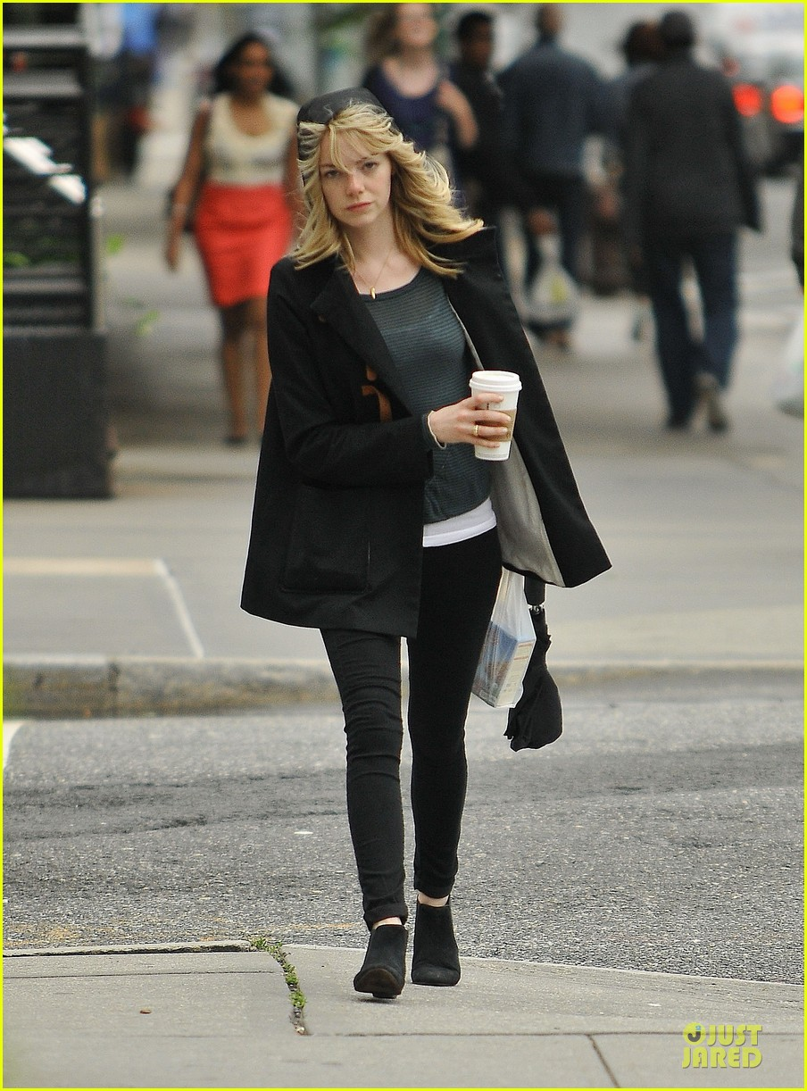 emma stone he fking perfect is close to universal deal 072891451