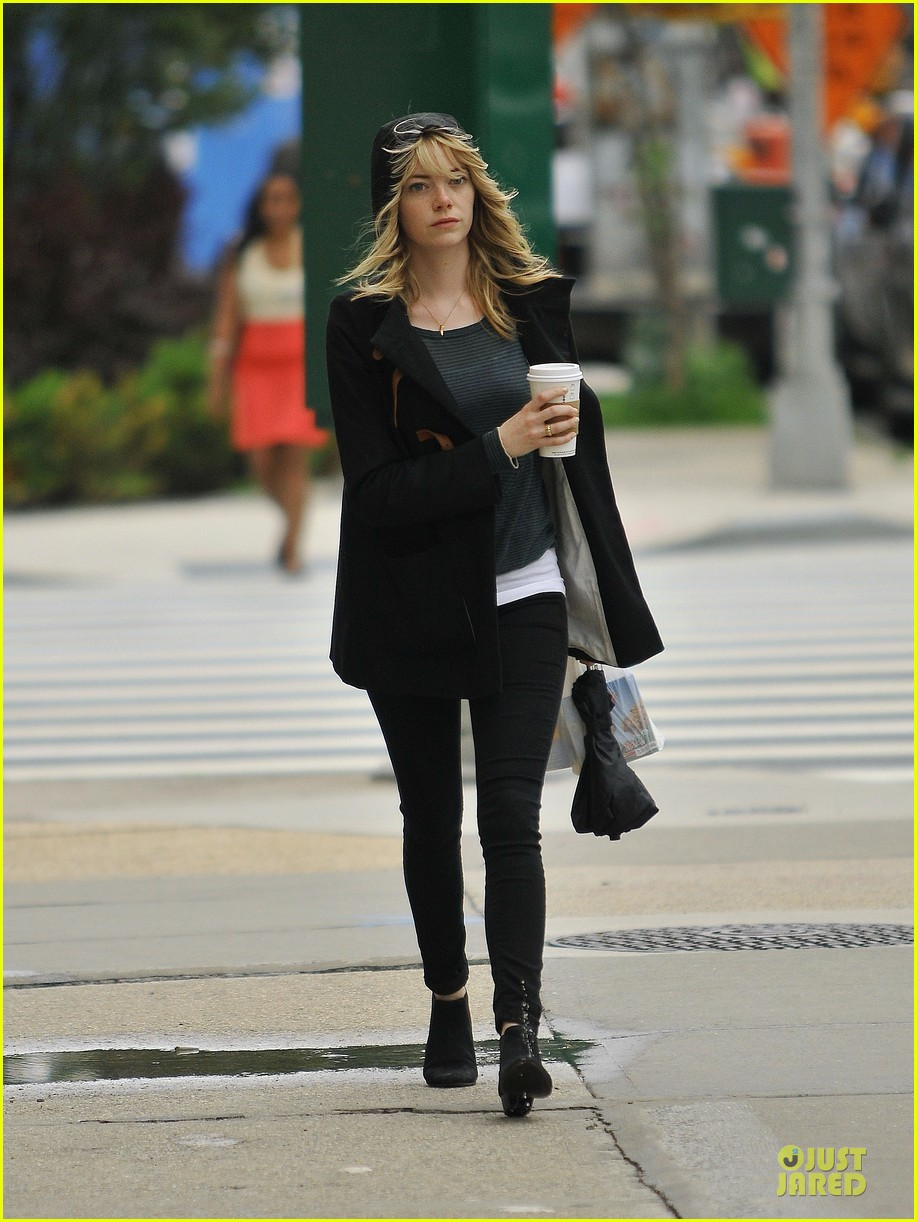 emma stone he fking perfect is close to universal deal 092891453