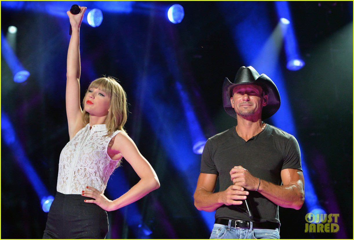 taylor swift keith urban tim mcgraw cma music festival 11