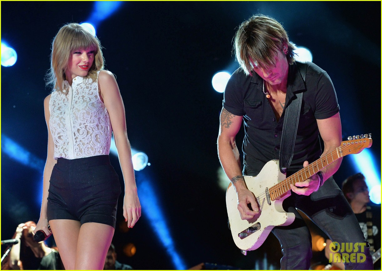 taylor swift keith urban tim mcgraw cma music festival 202886226