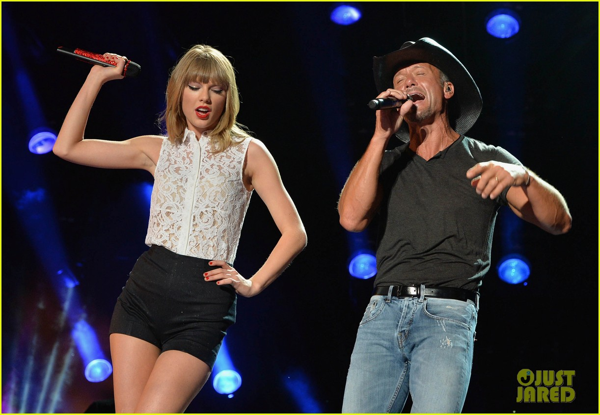 Taylor Swift Keith Urban Tim Mcgraw Cma Music Festival Photo 2886227 Keith Urban Taylor Swift Tim Mcgraw Pictures Just Jared