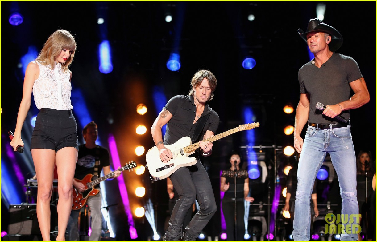 taylor swift keith urban tim mcgraw cma music festival 232886229