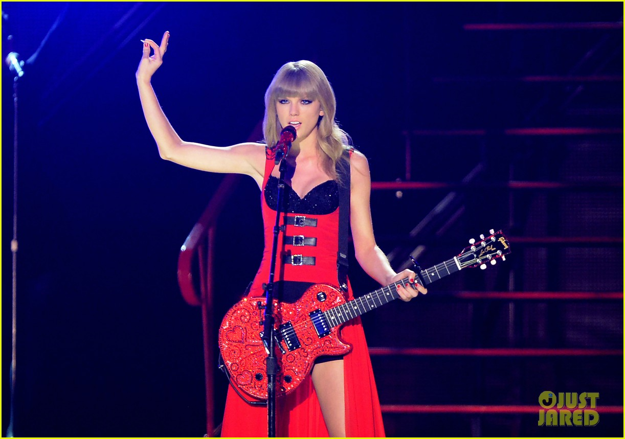 taylor swift cmt music awards performance 2013 video 042885249