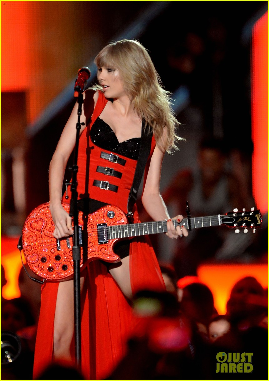 taylor swift cmt music awards performance 2013 video 222885267