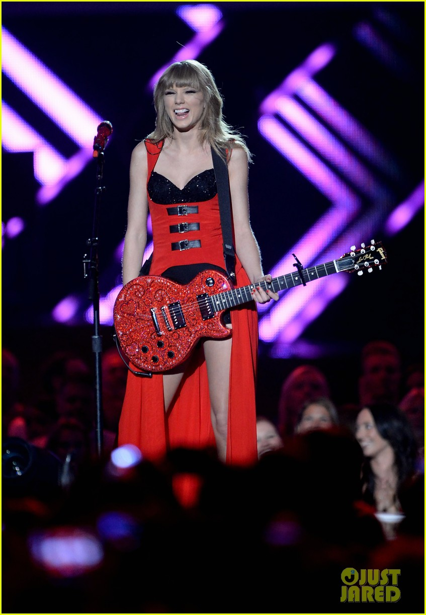 taylor swift cmt music awards performance 2013 video 232885268