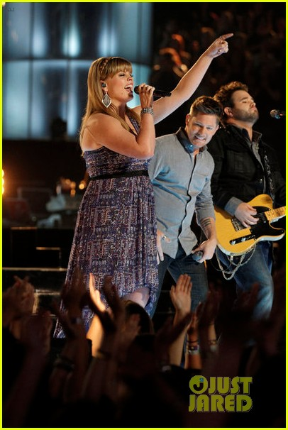 the swon brothers amber carrington the voice finale performance video 022893997