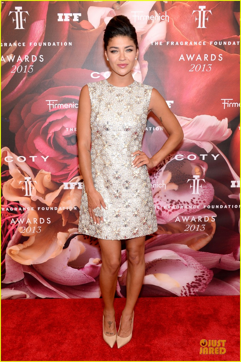 dita von teese jessica szohr fragrance foundation awards 2013 red carpet 03