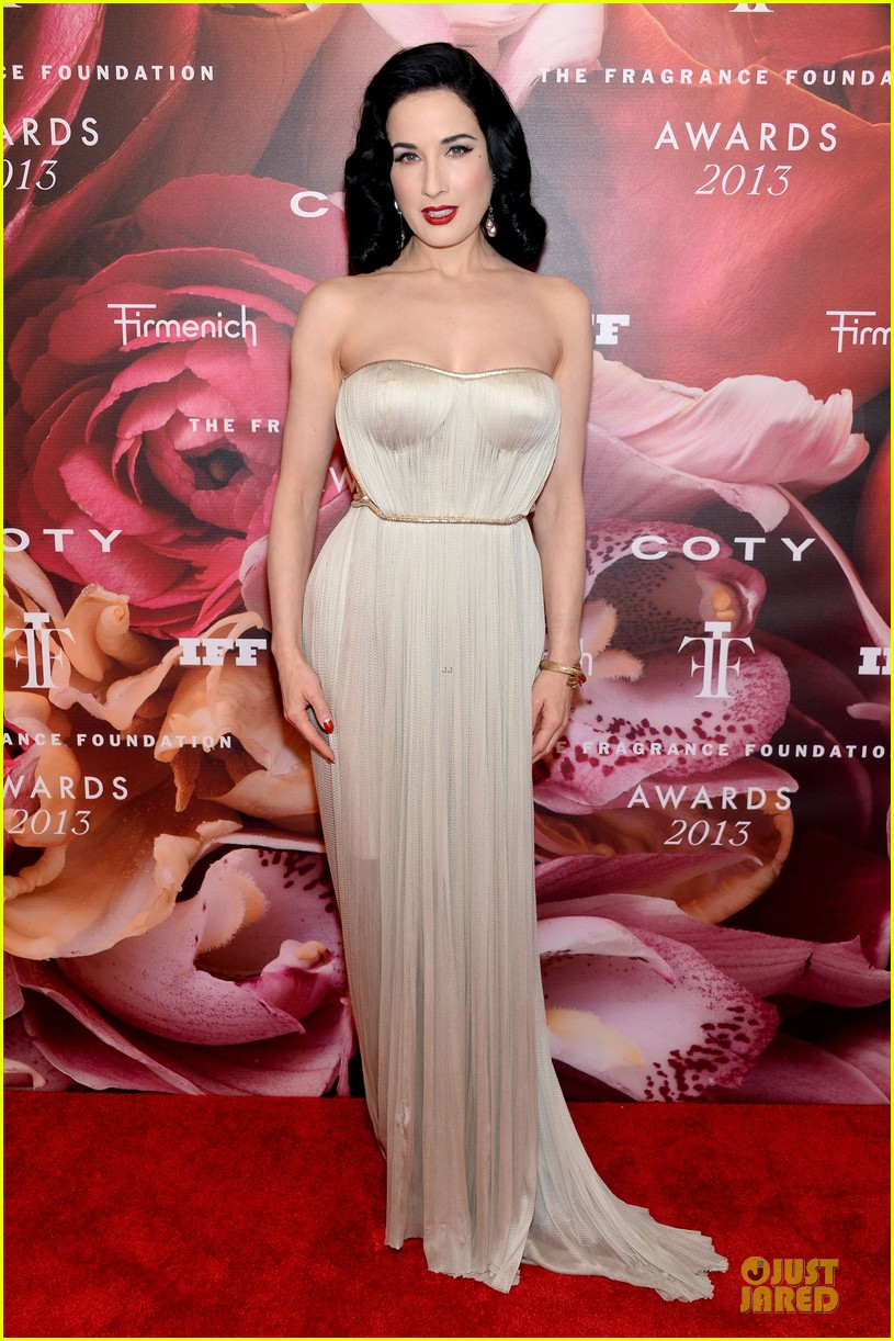 dita von teese jessica szohr fragrance foundation awards 2013 red carpet 142890009