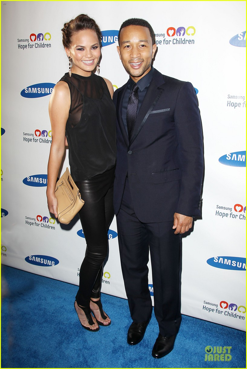 chrissy teigen john legend hope for children gala 10