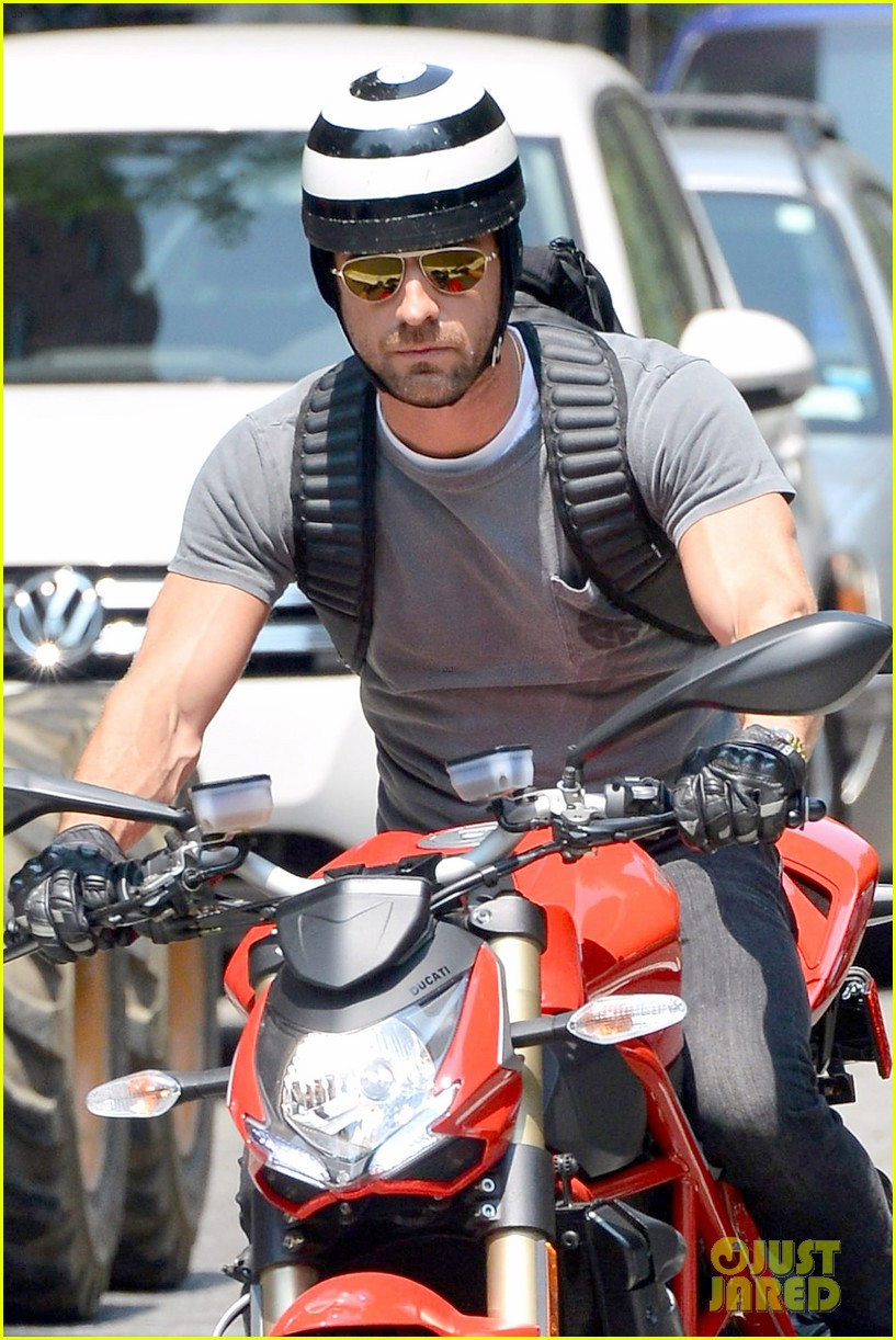 justin theroux ducati dude in new york 122897741