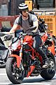 justin theroux ducati dude in new york 13