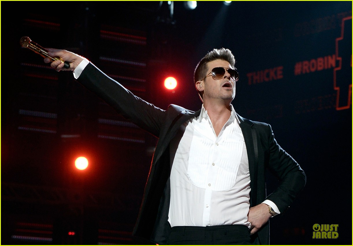 robin thicke bet awards 2013 performance video 162901496