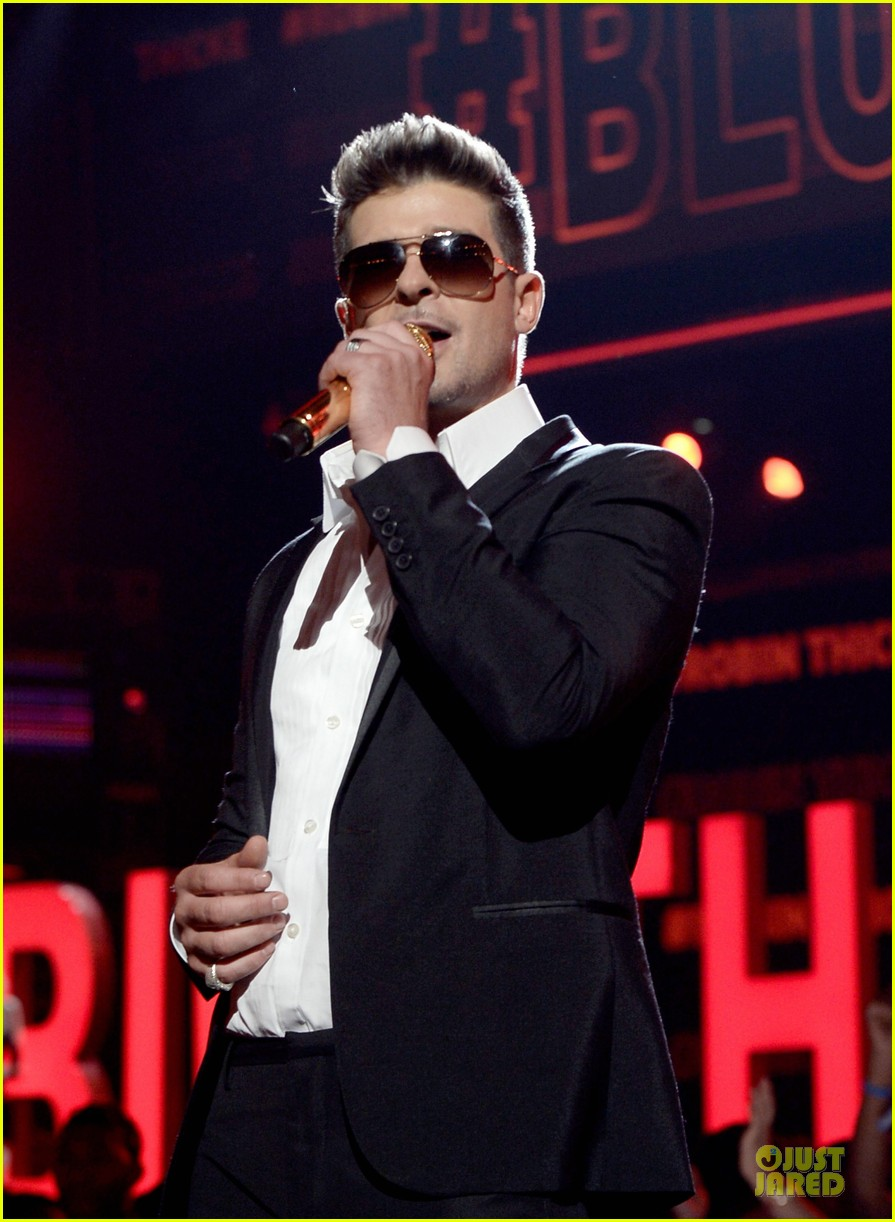 robin thicke bet awards 2013 performance video 202901500