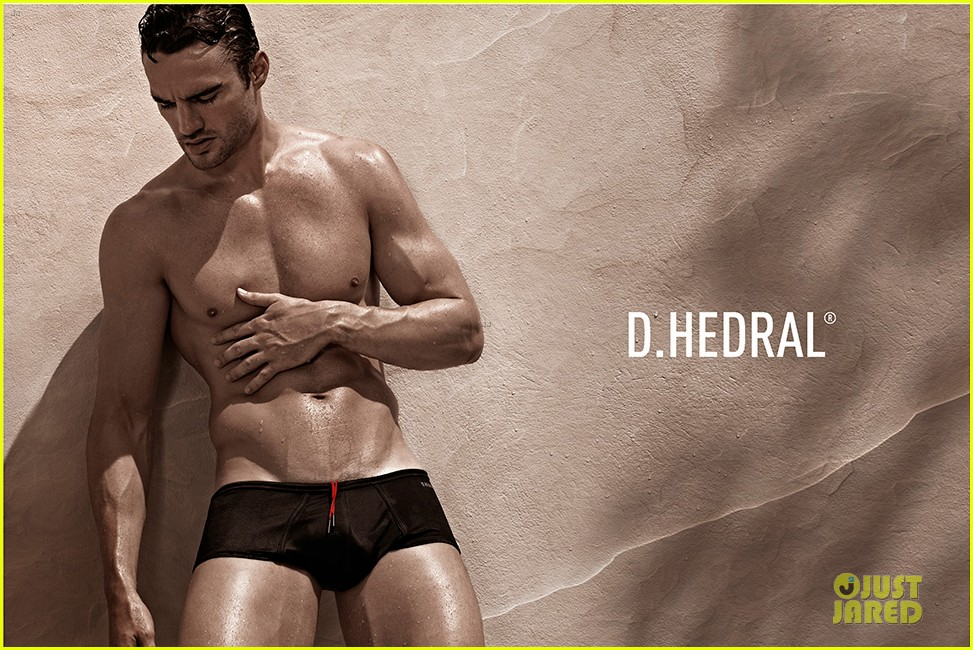 thom evans shirtless d hedral beachwear campaign 022898558