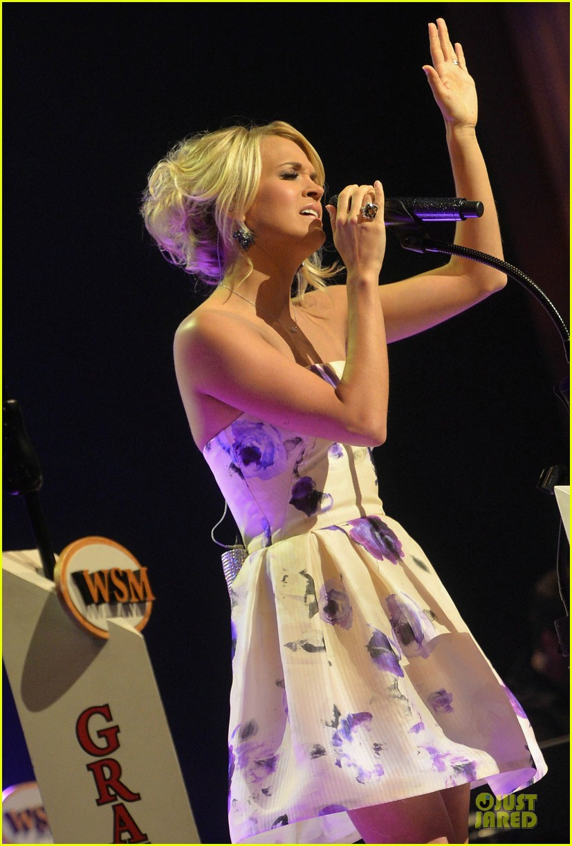 carrie underwood i love performing at the grand ole opry 012886787