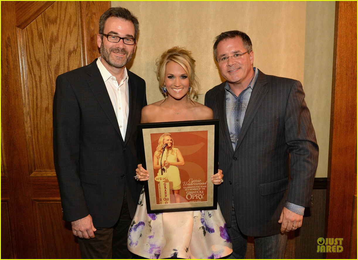 carrie underwood i love performing at the grand ole opry 032886789