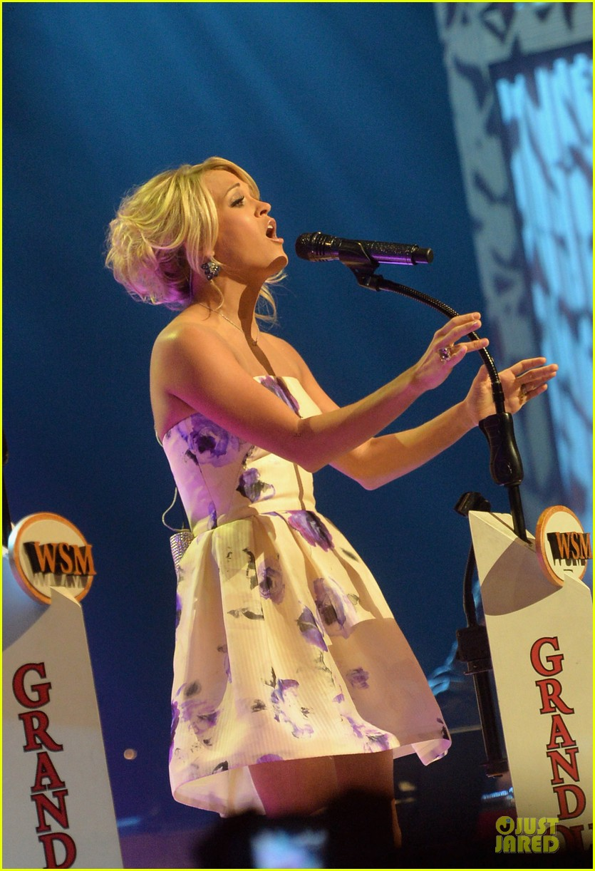 carrie underwood i love performing at the grand ole opry 062886792