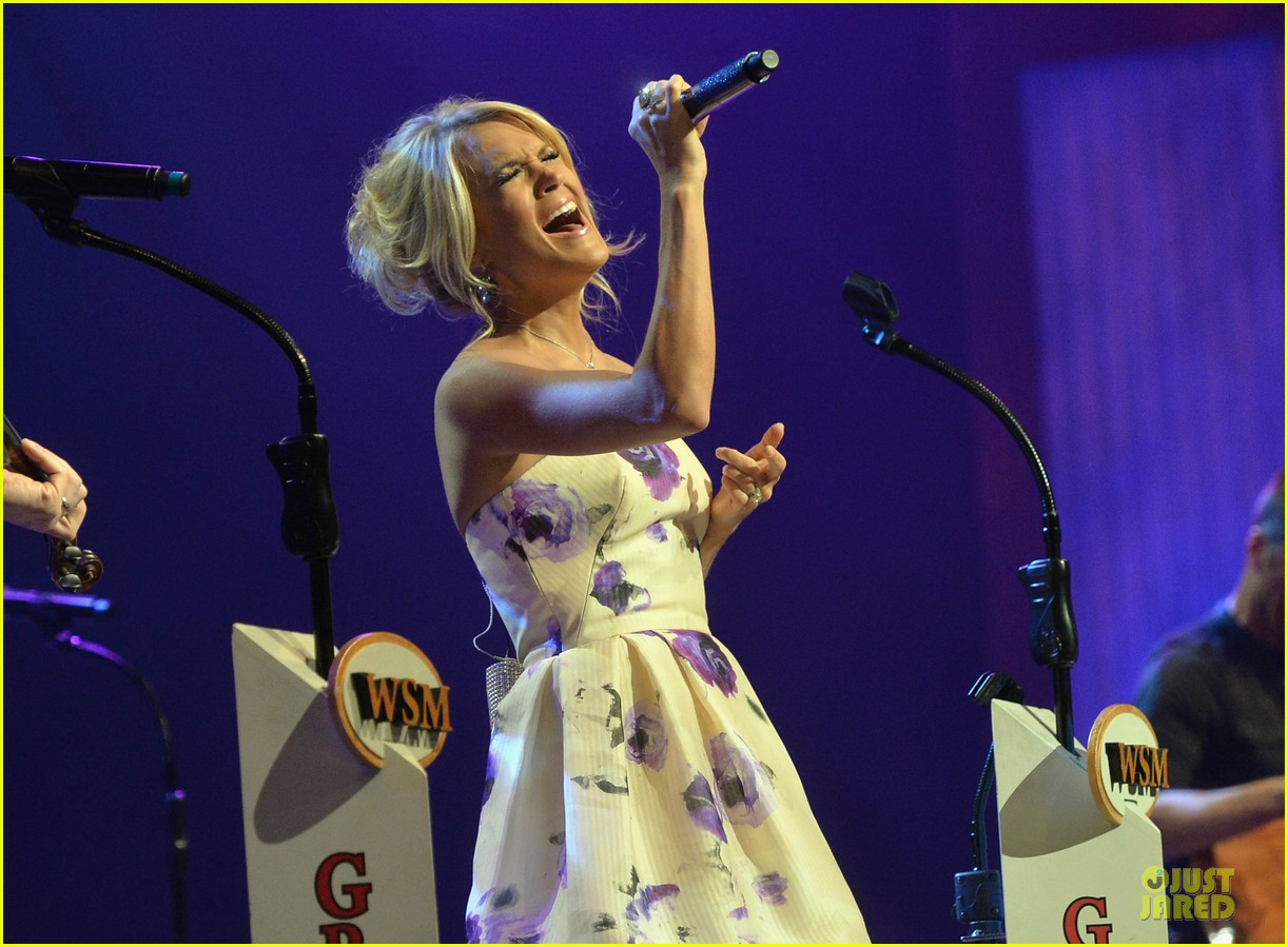 carrie underwood i love performing at the grand ole opry 112886797