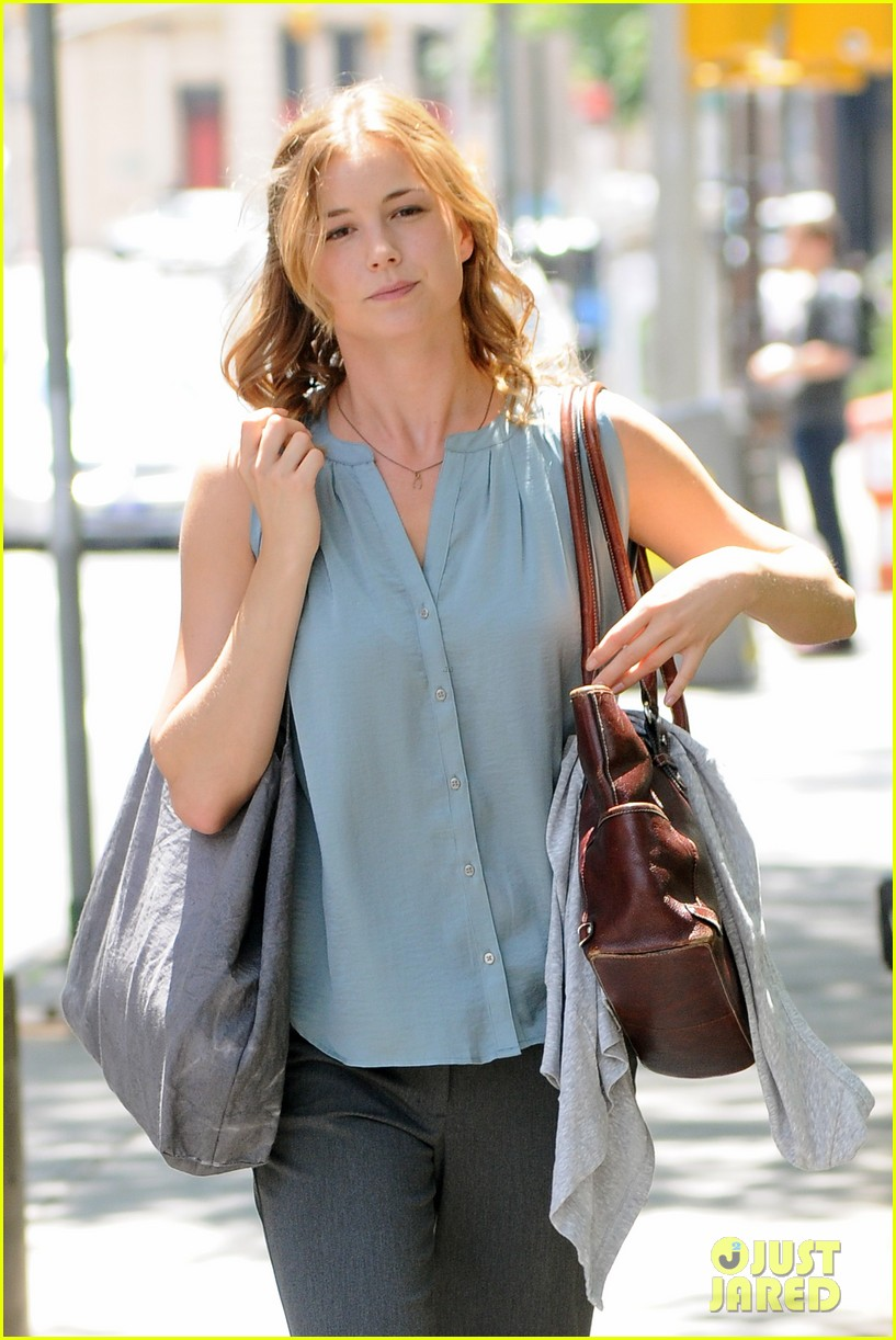emily vancamp girl in the book kickstarter 02