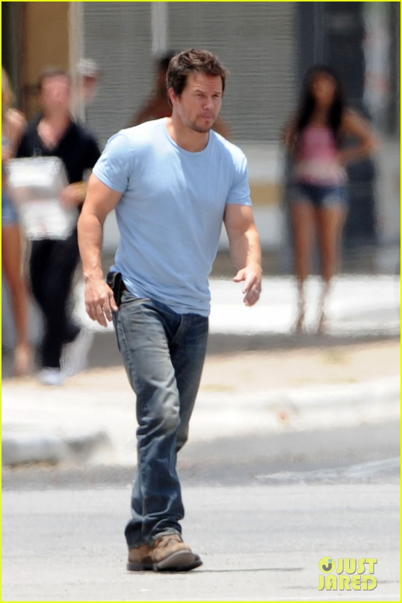 mark wahlberg films transformers 4 after escaping fire 012891987