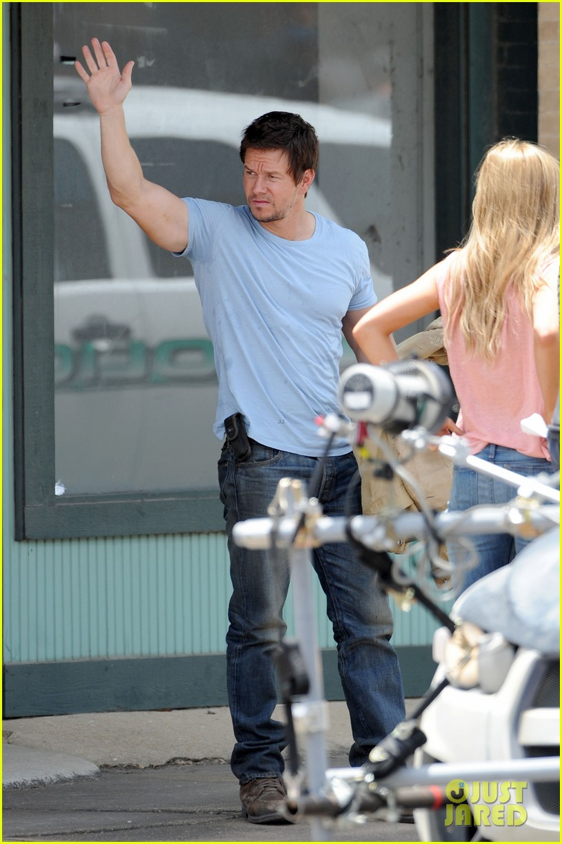 mark wahlberg films transformers 4 after escaping fire 042891990