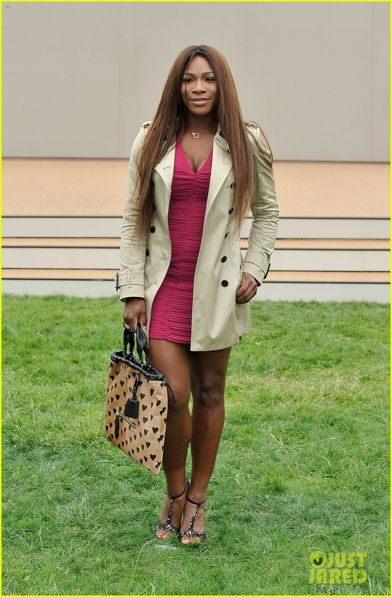 suki waterhouse serena williams burberry prorsum show 052893782