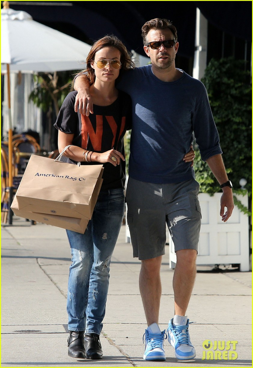 olivia wilde preps for new movie with plaster plastic bags 052882592