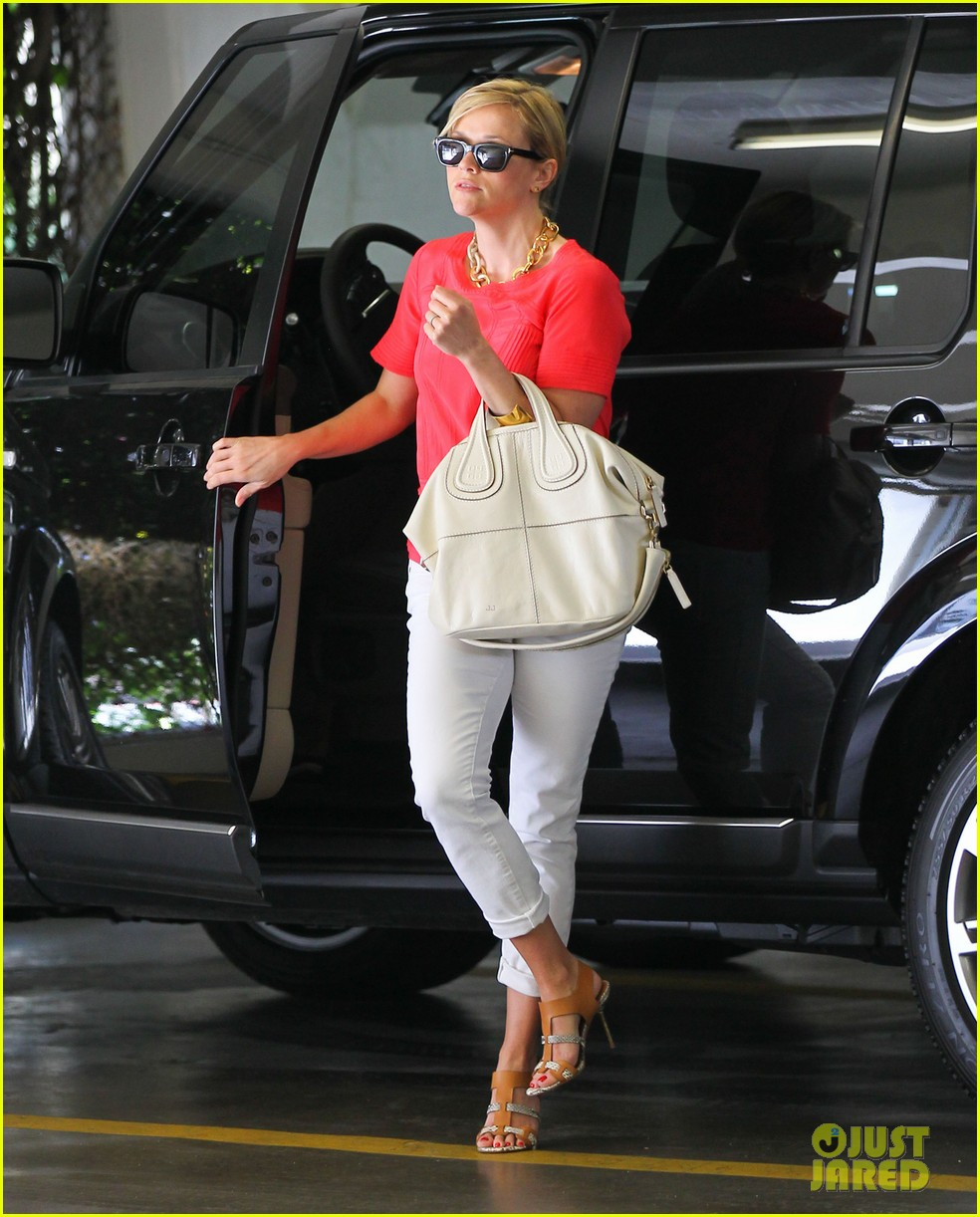 reese witherspoon obsessed with new boots 012900043