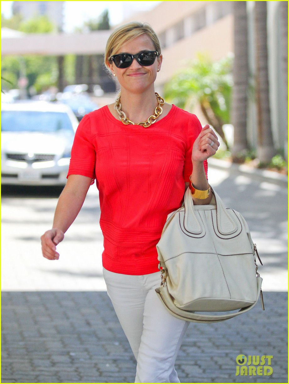 reese witherspoon obsessed with new boots 022900044