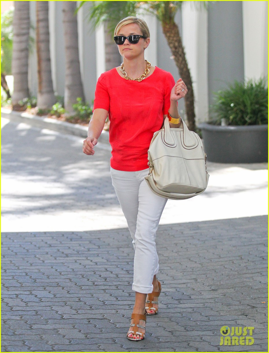 reese witherspoon obsessed with new boots 122900054