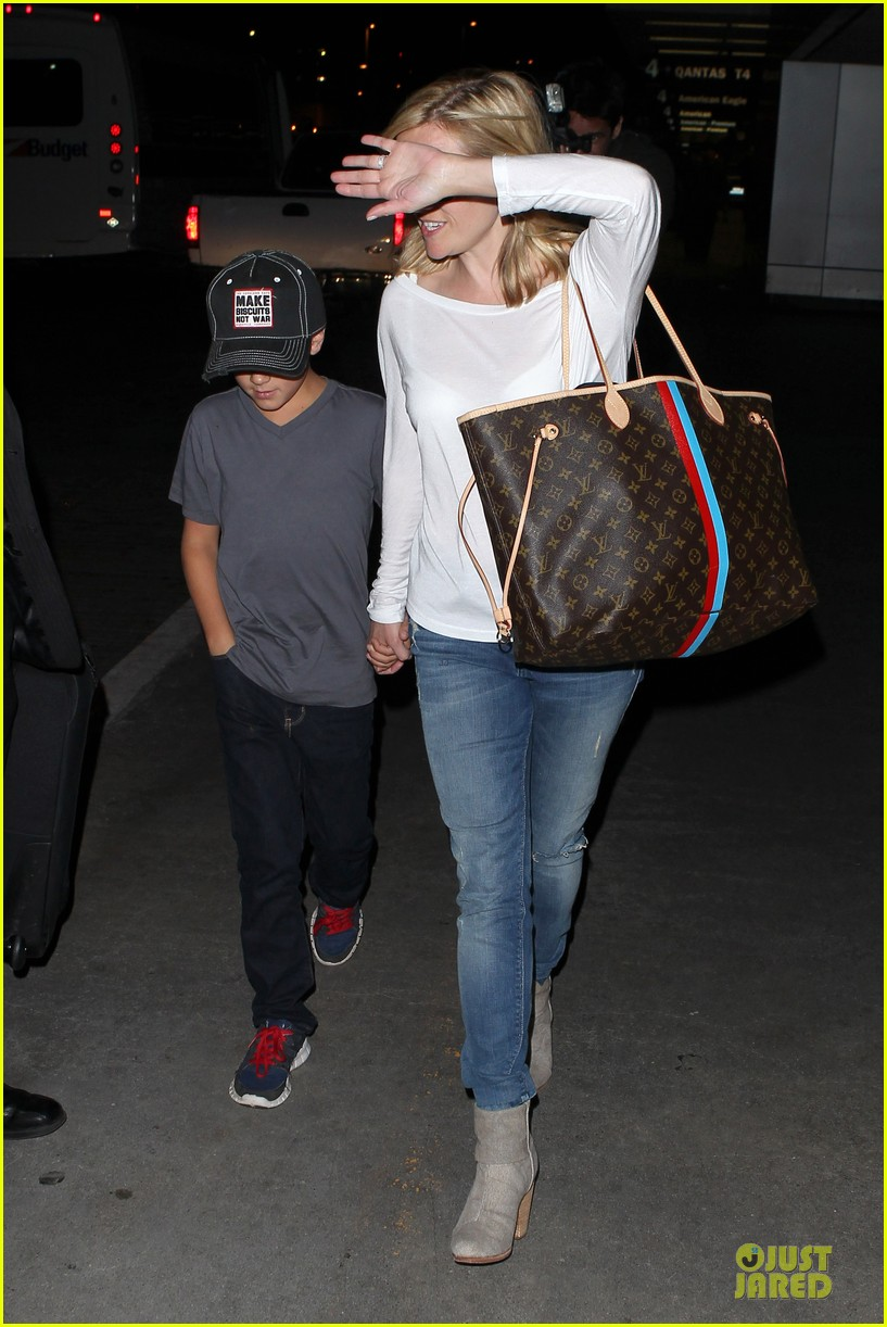 reese witherspoon deacon lax landing after fathers day  222893501