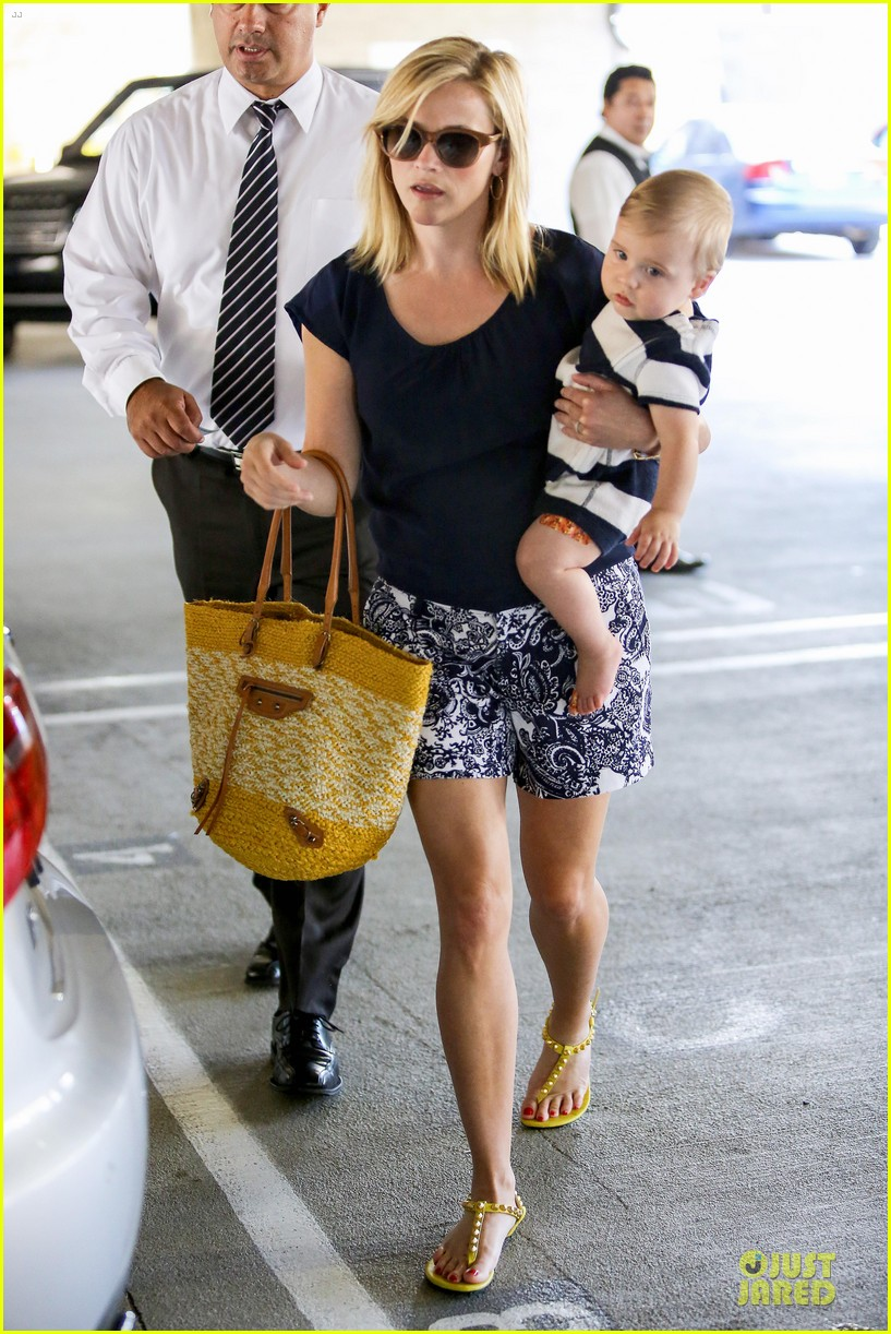 reese witherspoon doctors office visit with tennessee 012898961