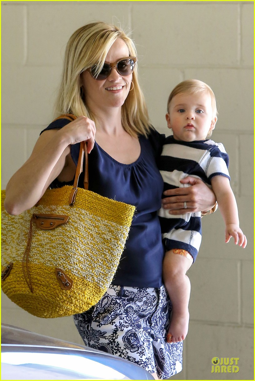 reese witherspoon doctors office visit with tennessee 202898980