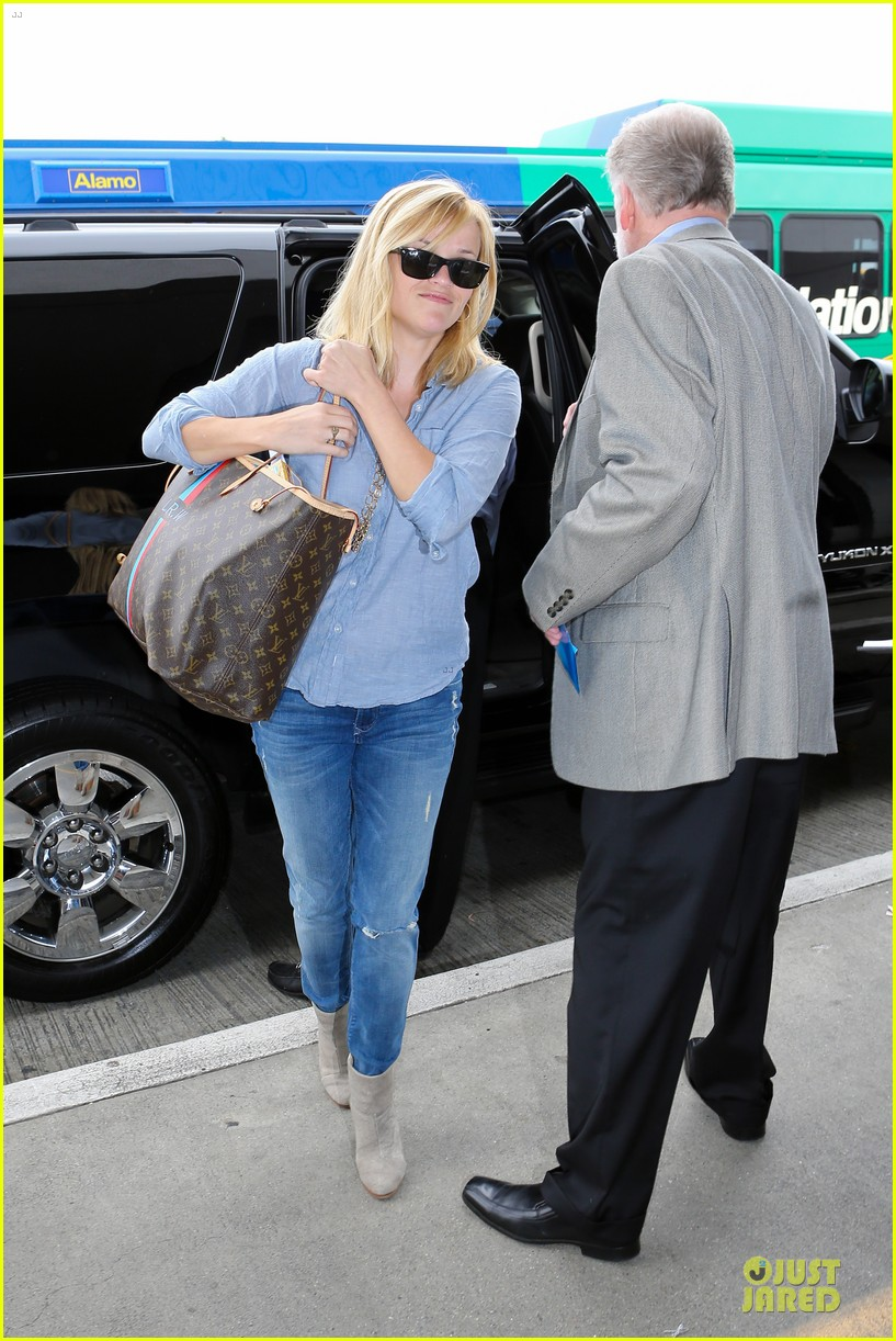 reese witherspoon lax departure for fathers day weekend 072891843