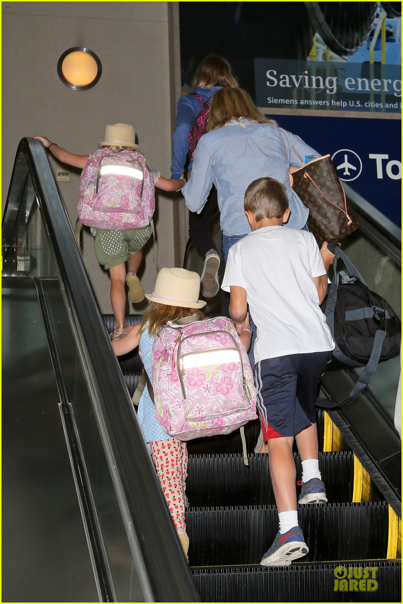 reese witherspoon lax departure for fathers day weekend 152891851