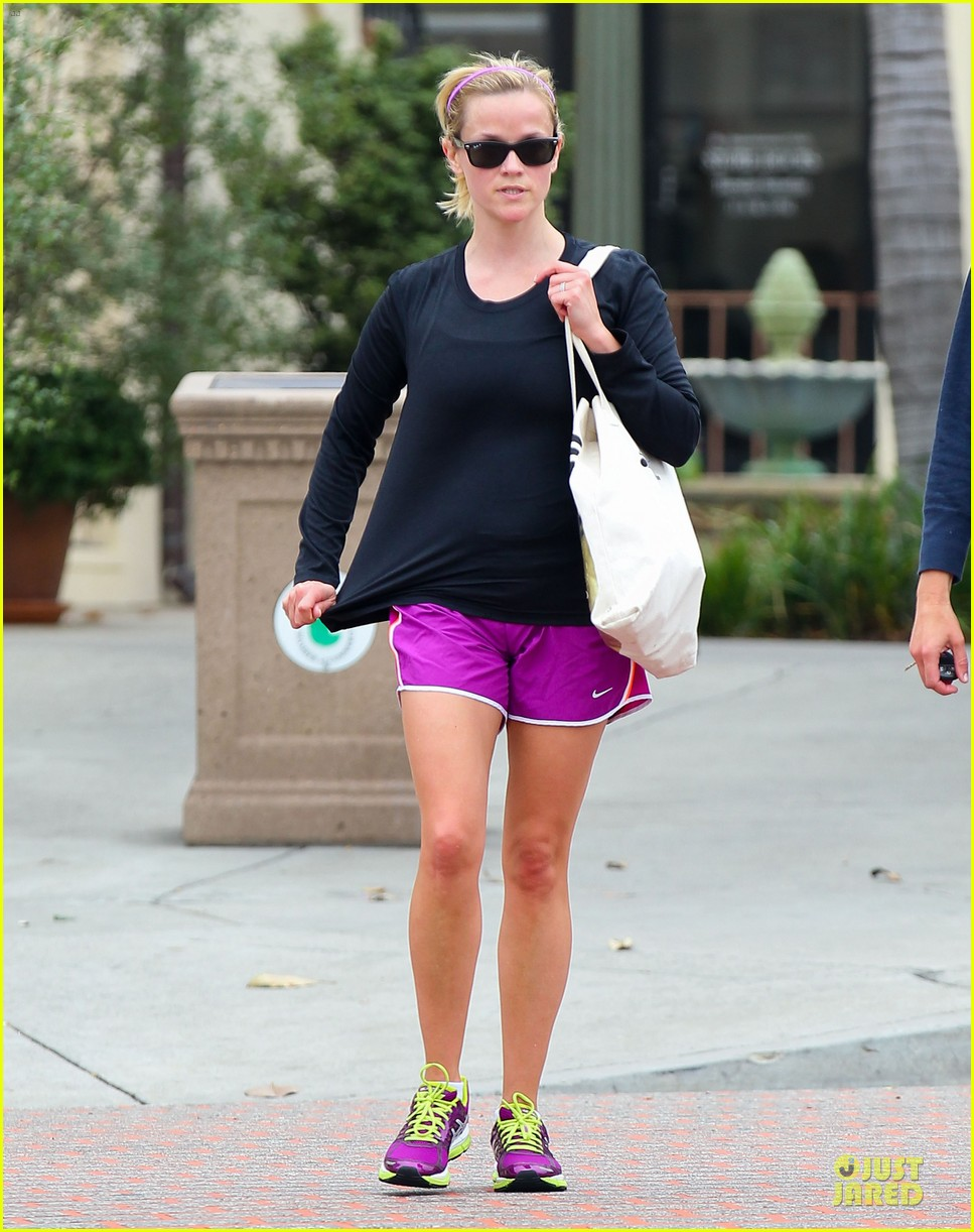 reese witherspoon friday fun workout with gal pal 032891423