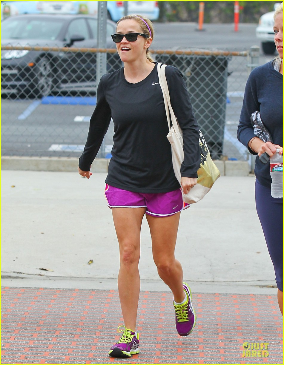 reese witherspoon friday fun workout with gal pal 062891426