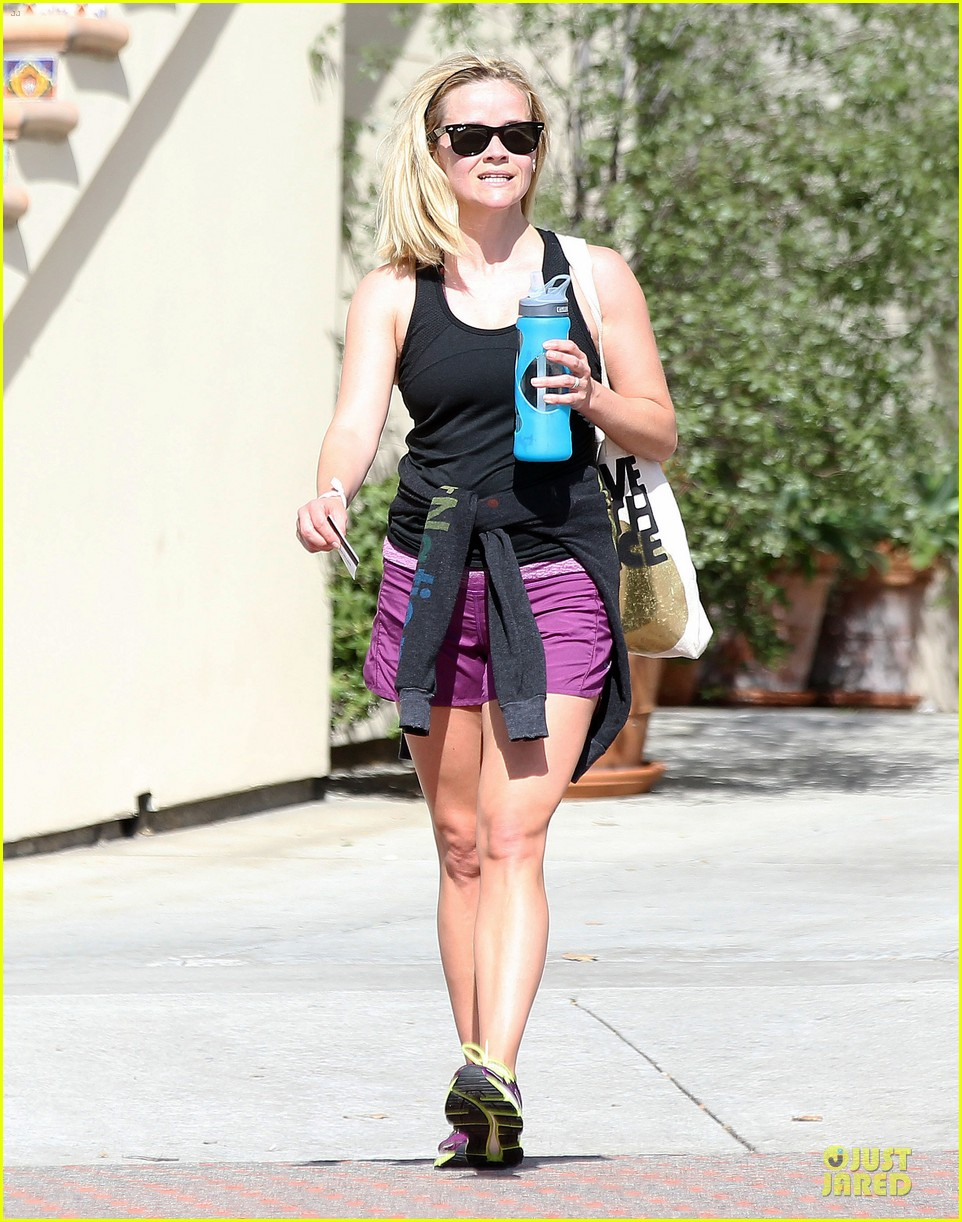 reese witherspoon matching fitness shorts shoes 132894810
