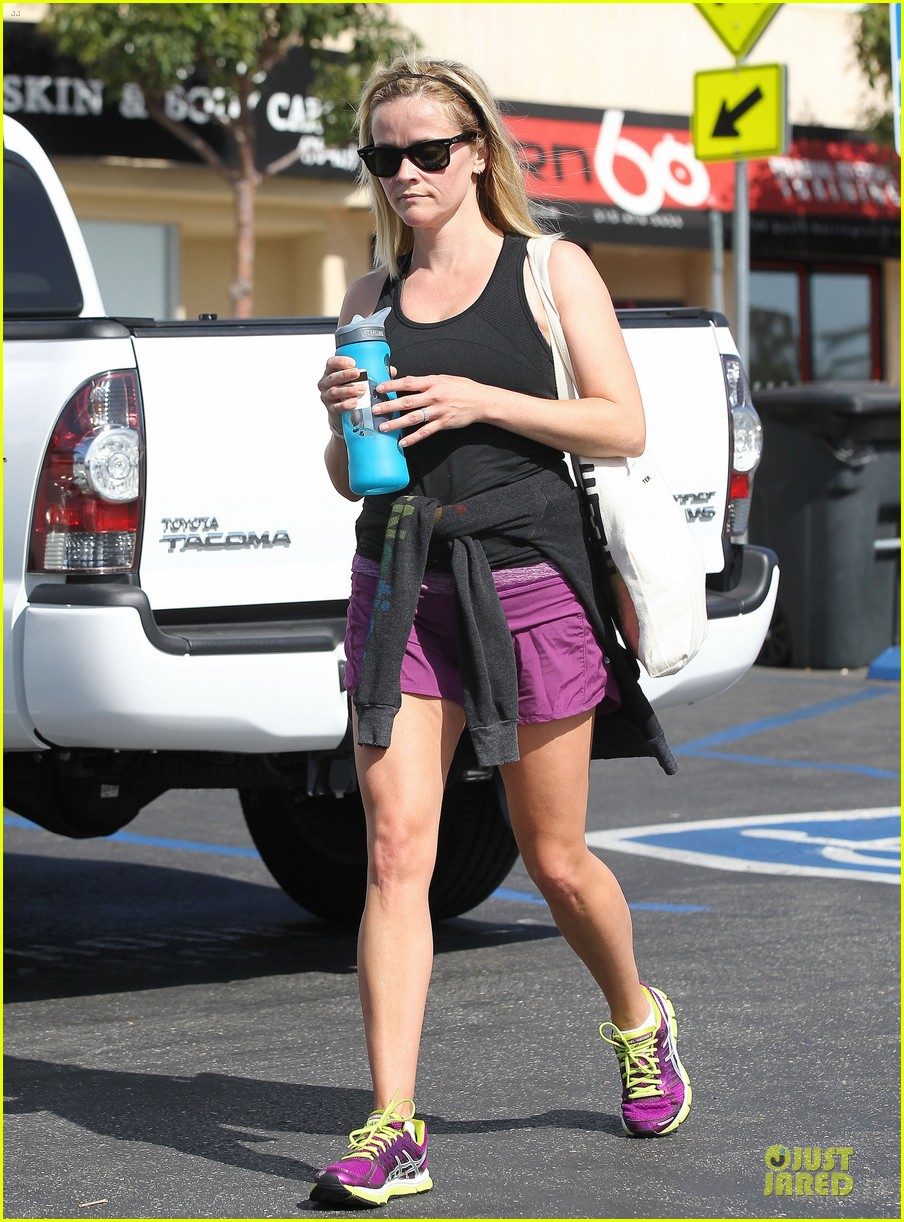 reese witherspoon matching fitness shorts shoes 192894816