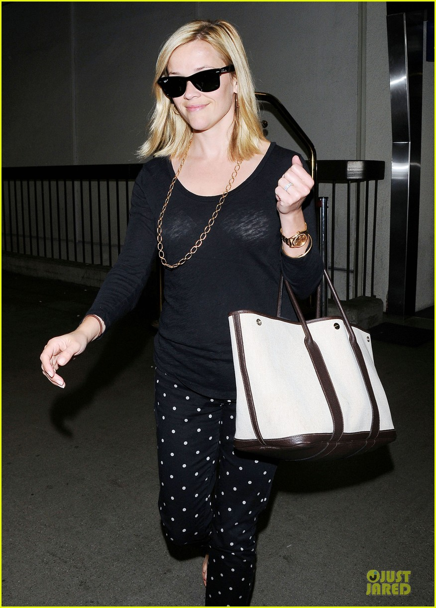 reese witherspoon i love neil gaiman novels 092898654
