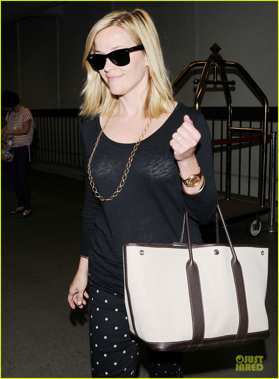 reese witherspoon i love neil gaiman novels 102898655