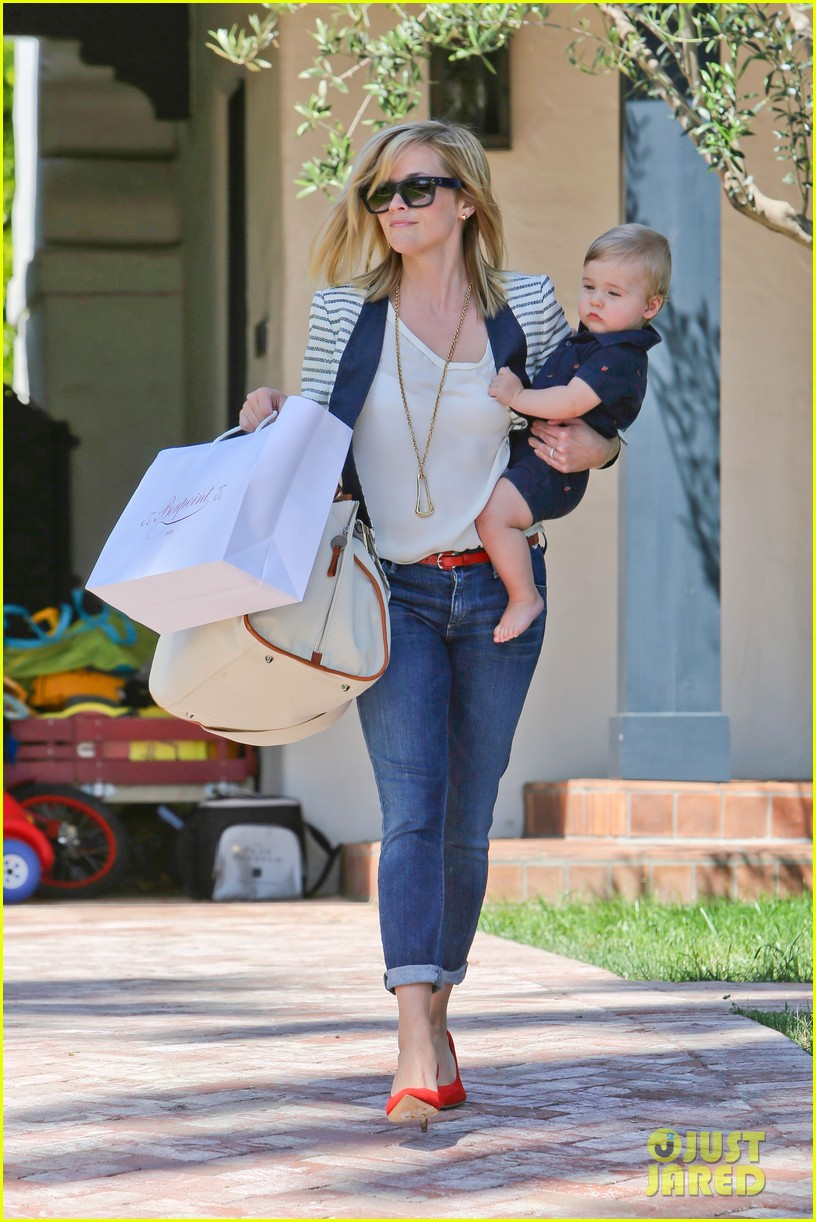 reese witherspoon playdate with tennessee 072895452