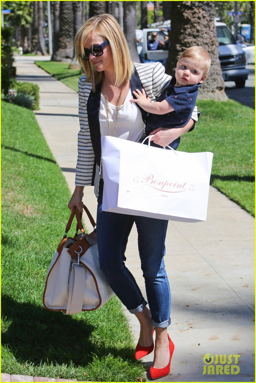 reese witherspoon playdate with tennessee 082895453