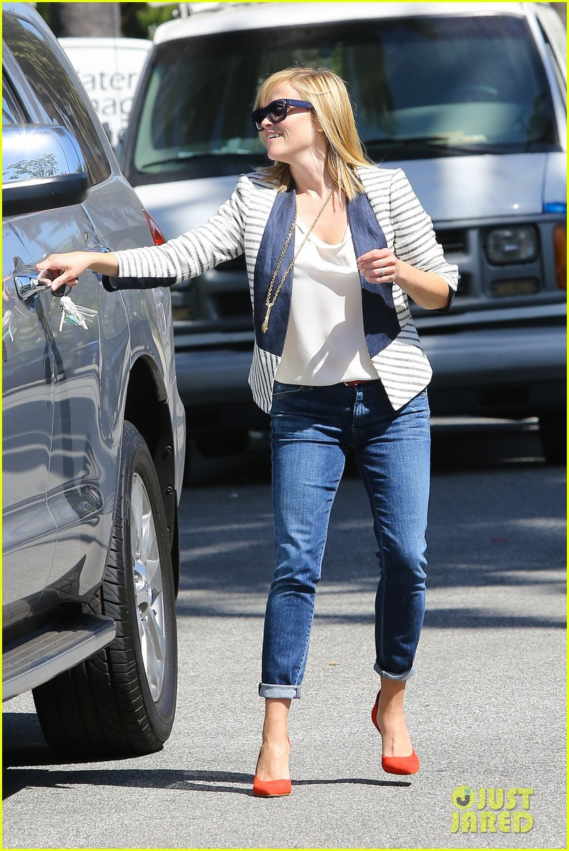reese witherspoon playdate with tennessee 112895456