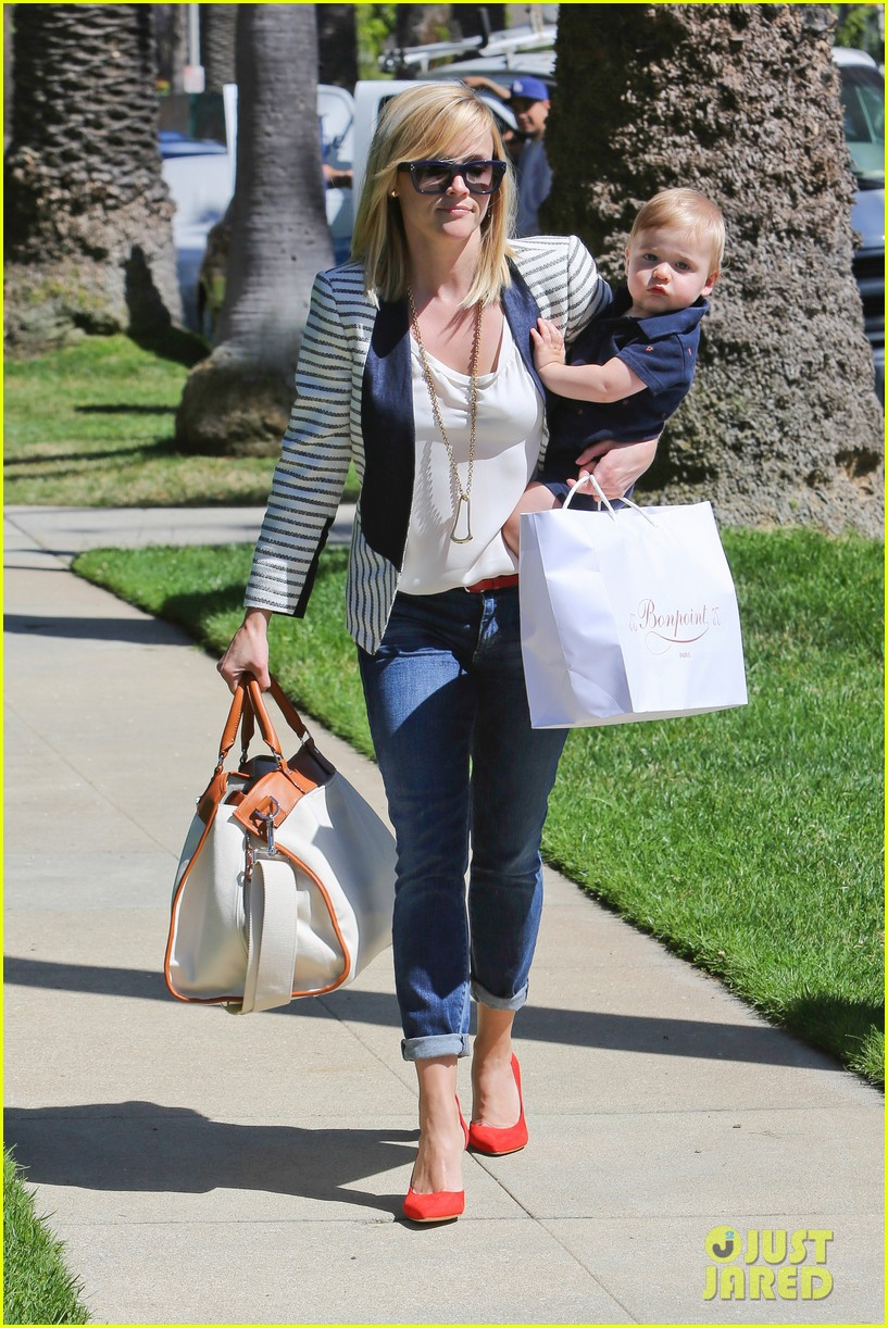 reese witherspoon playdate with tennessee 132895458