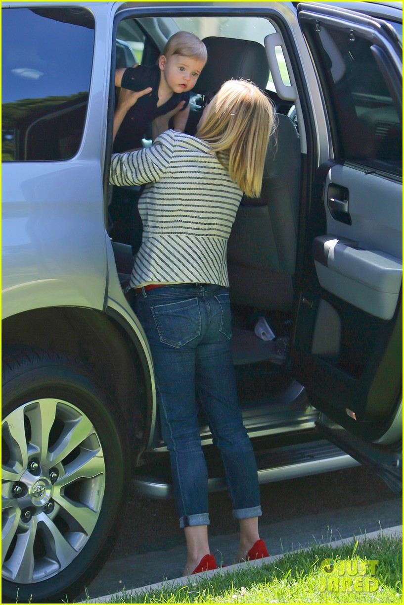 reese witherspoon playdate with tennessee 142895459